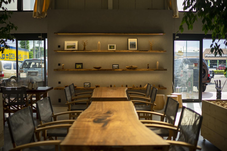 「都市と野営」がテーマのフレックスの新しい店舗